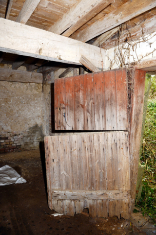 Stable door to west